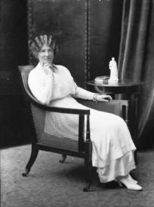 Annette Mary Eleanor Jane THOMAS