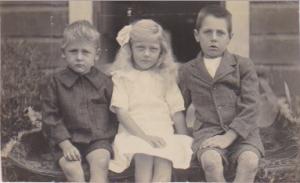 L-R Roy, Ina, Harrold THOMAS - Children of John Harrold THOMAS